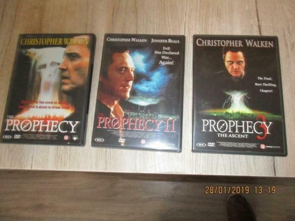16 horror dvd`s bieden per stuk of set alles voor 25