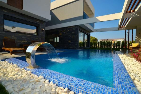 Geweldige moderne luxe villa te koop in kusadasi.