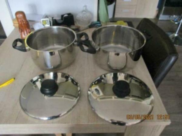 pannen set 2 delig van 23 en 25 cm diameter