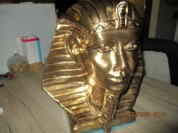 Zeer mooie Farao beeld 30 x 23 x 36 cm hoog ik heb nog veel