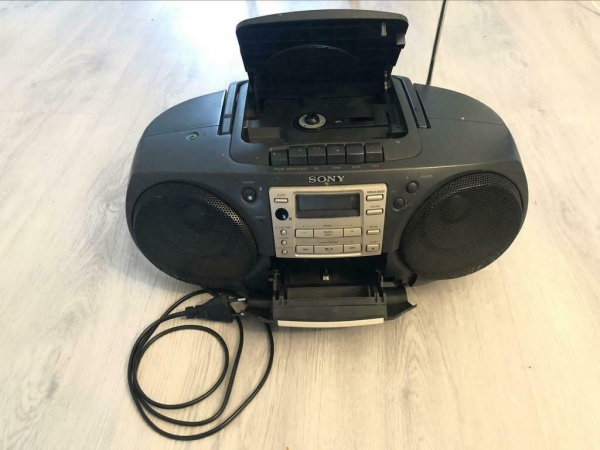 Sony-CFD-370-CD-Radio-Cassette-Recorder