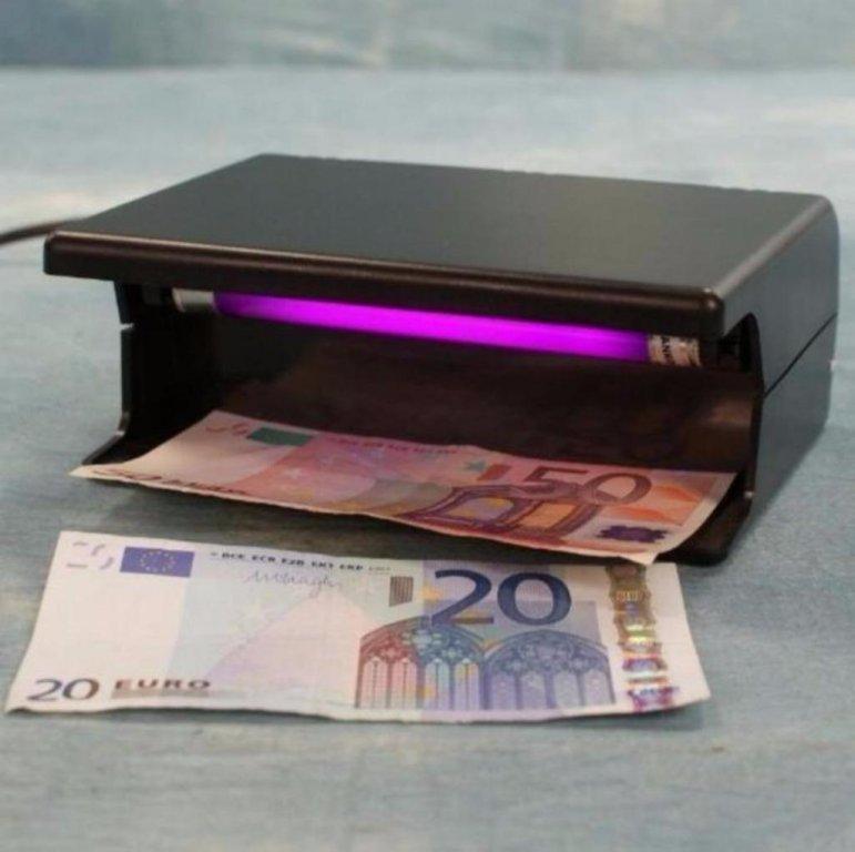 Ultra violet bankbiljet tester,