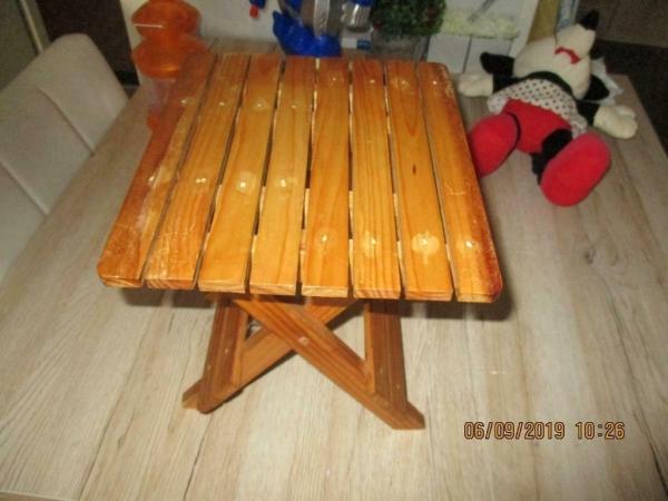 Opklapbare grenen tafeltje 25 x 21 x 25 cm hoog