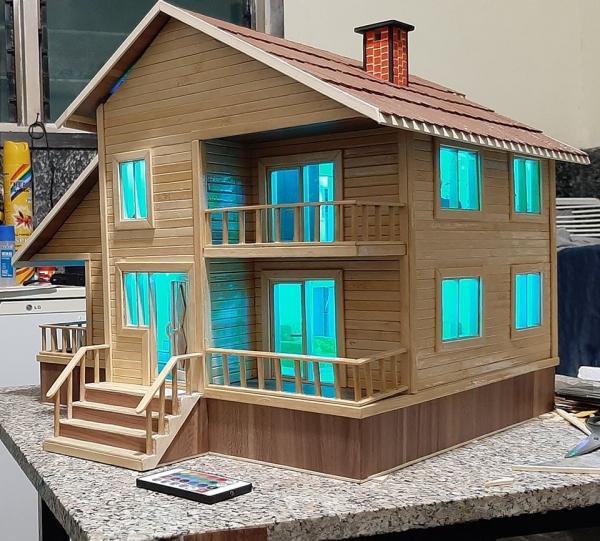 Miniatuur houten handgemaakte huis