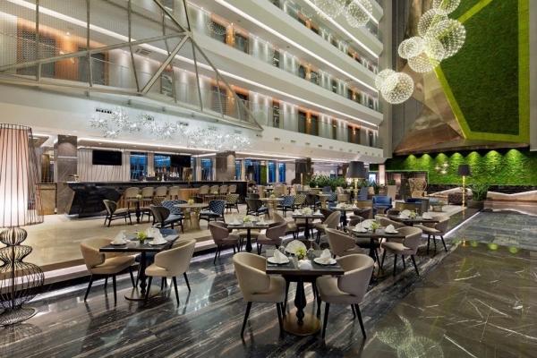 Istanbul da satilik ultra luks 5 yildizli otel.