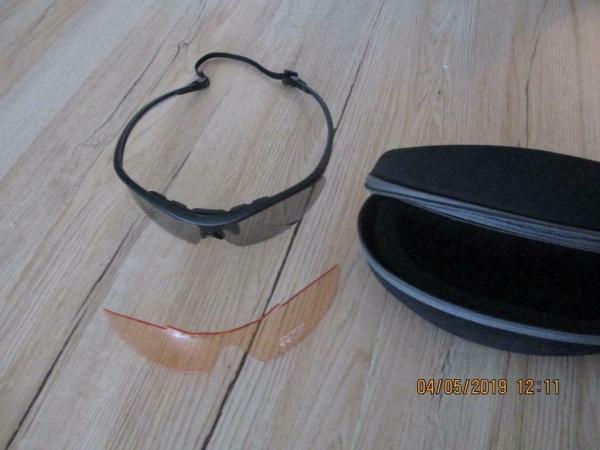 Pro sport zonnebril met 2 verschillende zonwerende glazen en