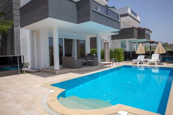 Luxe villa te koop in Plaatje Side