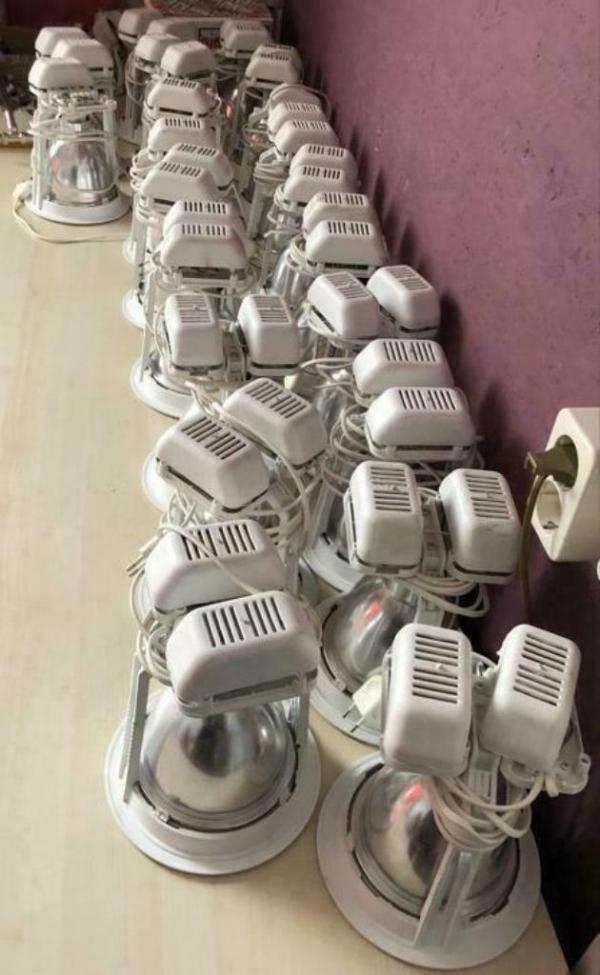 Inbouwspot met spaarlamp voor systeemplafons (20 Stuks).