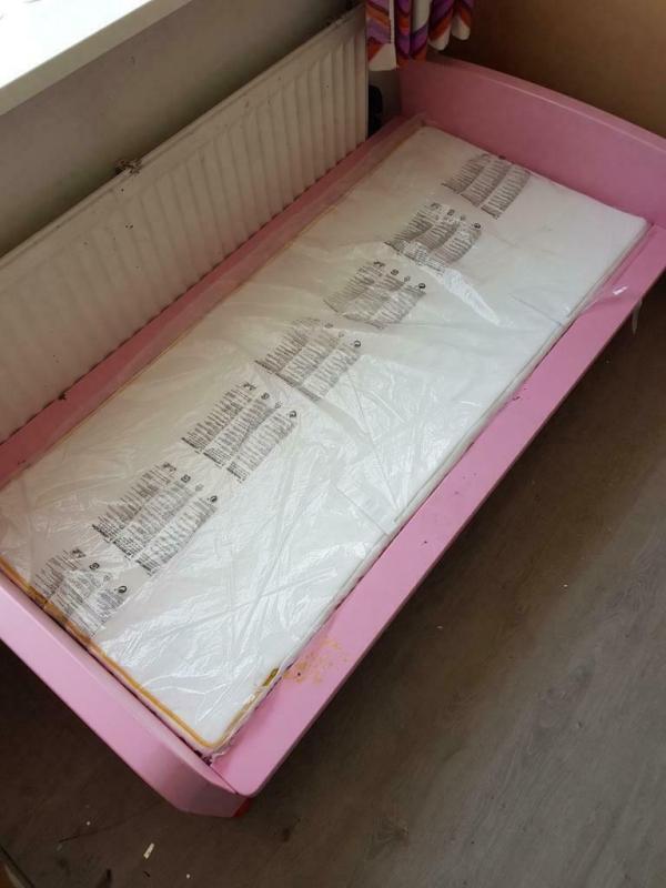 2 mooie Ledikanten peuterbedden,  Met nieuwe matrassen