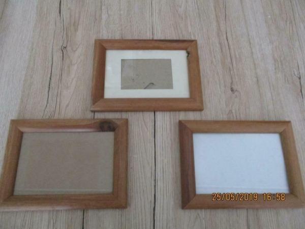 3 houten schilderijlijsten