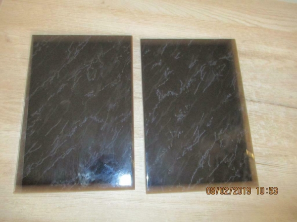 2 marmeren tegels/onderzetters of om iets op te zetten