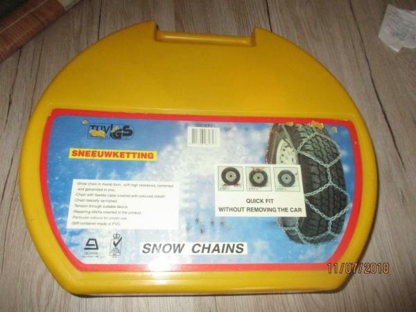 3 keer sneeuwkettingen voor alle auto`s toepasbaar In vele l