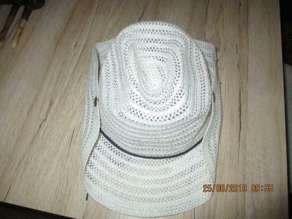 Wit stro hoed