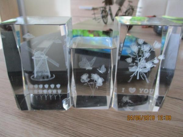 speciaal ontworpen 3 vierkante glazen staven met bewerking en een