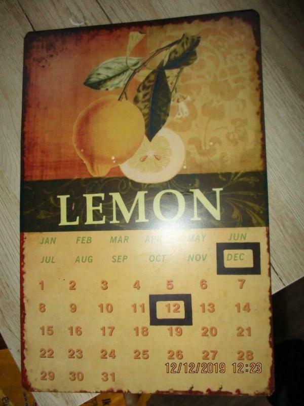 Metalen plaat kalender retro, vierkantjes zijn magnetisch 38