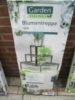 buiten tafel/rek en bogen voor planten op te zetten vintage