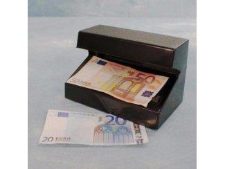 Mobile geld tester UV lamp werkt op 4 AA batterijen,