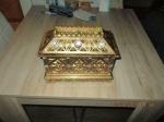 Grote gouden sieraden/opberg kist 27 x 16 x 22 cm hoog met g